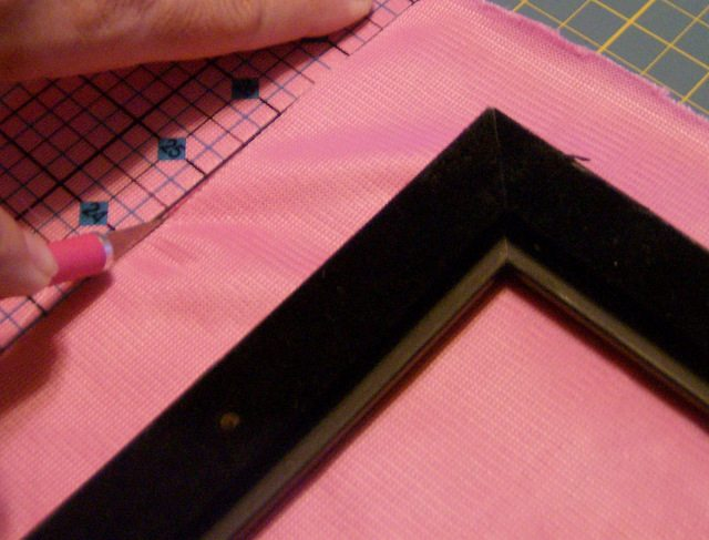 SchneiderPeeps - How to cover a frame with fabric.  This is a great way to dress up a thrifted frame and make a silhouette gift just a litte more special - especially for a girl.