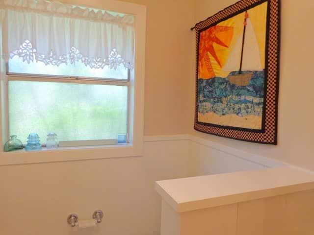 bathroom quilt