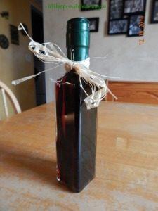 homemade-vanilla-extract-225x300